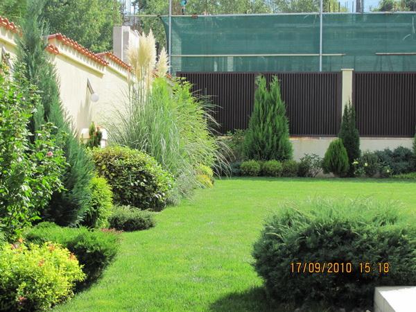 Озеленяване - градински център Божилови